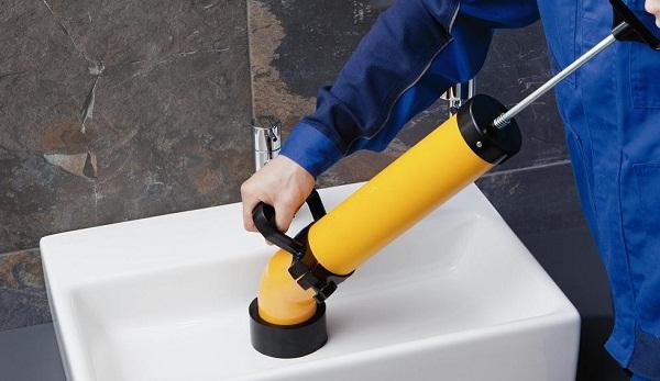 Отпушване на мивки и вани